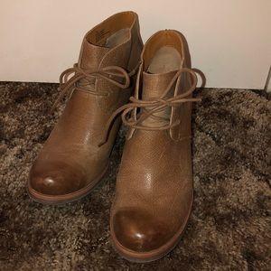 Korks brown leather booties
